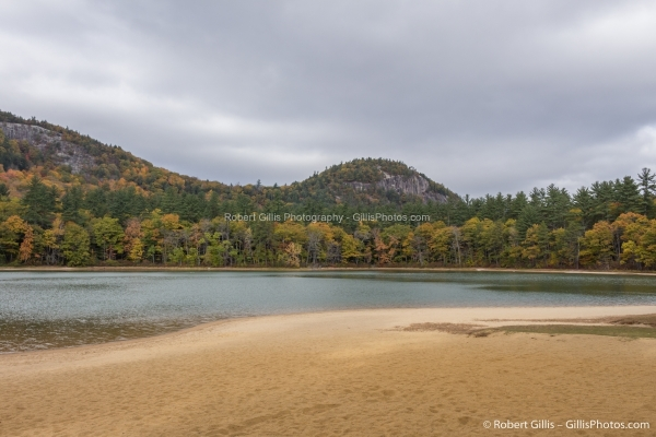 04 Echo Lake - White Horse Ledge and Cathedral Ledge In Autumn